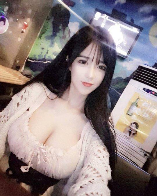 """压力越来越大 韩国""""娜美身材""""女主播晒新照"""